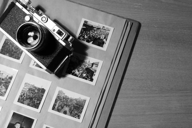 アルバムの写真を綺麗にスキャンする方法